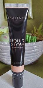 Anastasia Liquid Glow